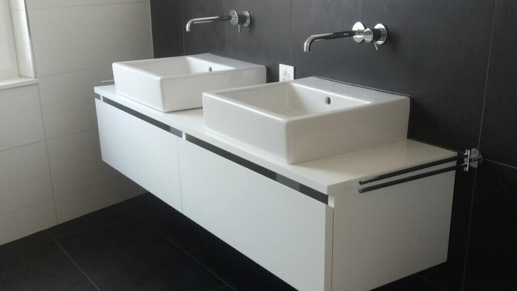 weißer doppelter Waschtisch   Badmöbel   Schreinerei Heer