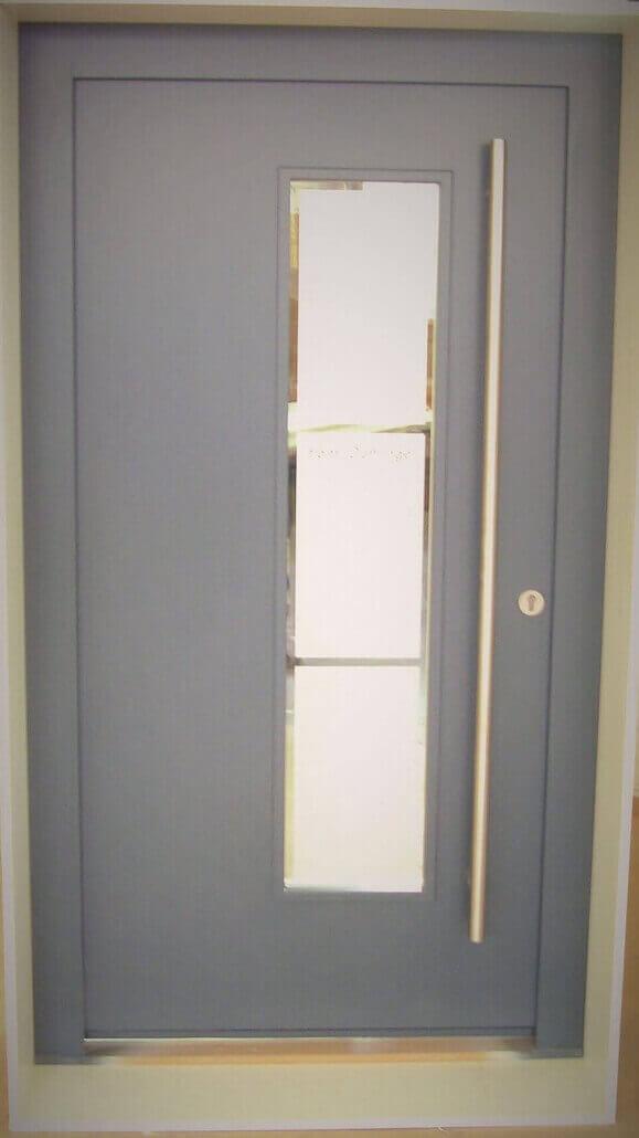 graue Haustür aus Holz | Schreinerei Heer