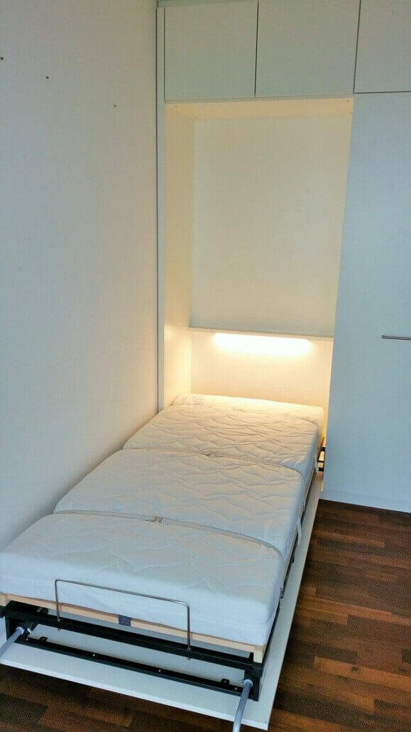weißes Schrank-Bett-System, ein Bett | Schreinerei Heer