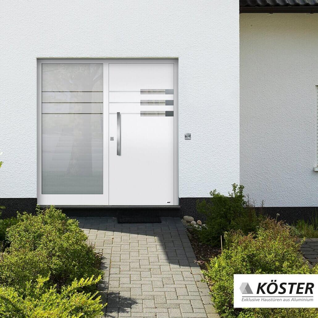 weiße Haustür Trend von Köster, breites Seitenfenster | Schreinerei Heer